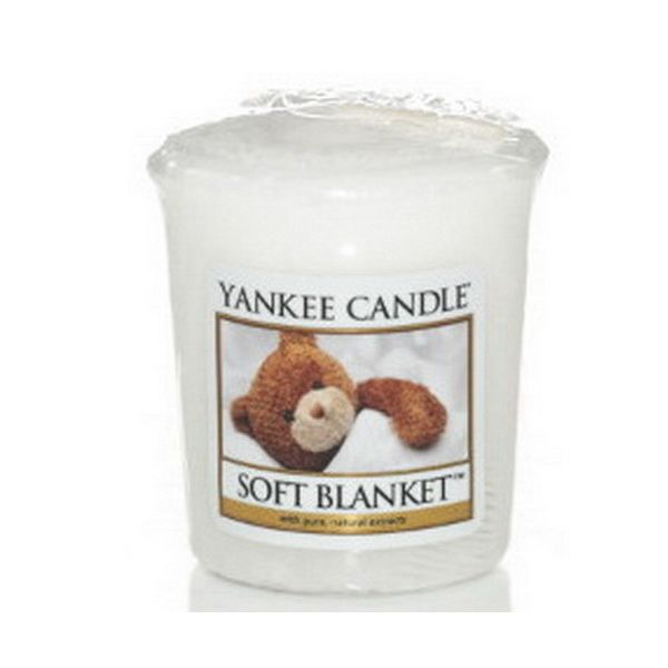 82-583Yankee Candle Soft Blanket